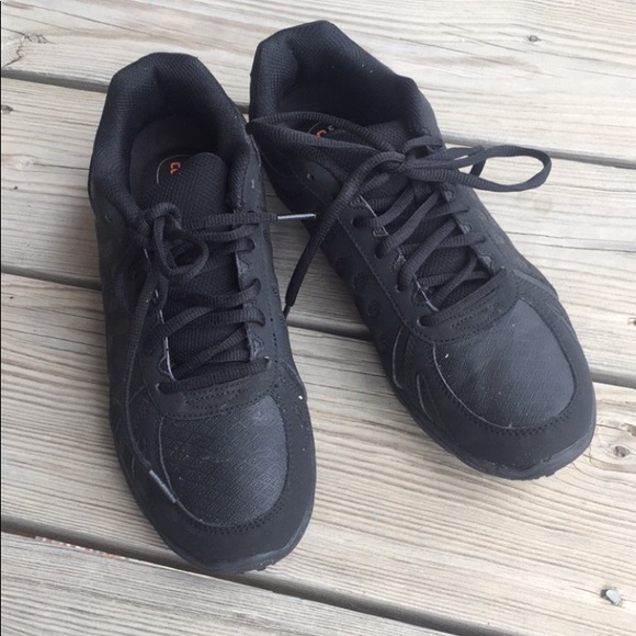 2e25d907f8215e SafeTStep nonslip black shoes. M 5b4f859a4cdc30d4836099a2